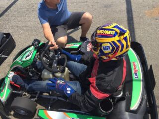 Elliott hits the track -- in a go-kart