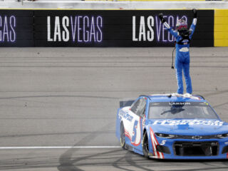 Look: Larson hits the jackpot in Las Vegas