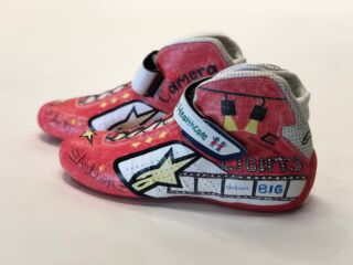 Elliott, teammates to wear specially-designed shoes for Atlanta