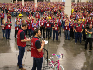 Johnson, Knaus help Lowe's build 1,048 bicycles for Boys and Girls Clubs