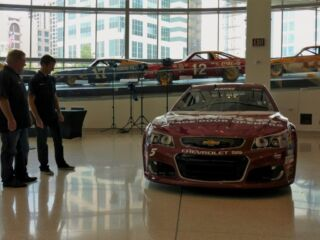 Inside the unveiling of Kahne's Darlington paint scheme