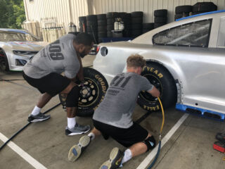 Pit crew hopefuls take on minicamp