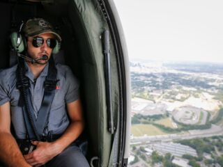 Elliott shares in excitement for Bristol night race with helicopter ride