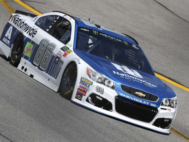 Dale Earnhardt Jr. leads teammates at Richmond