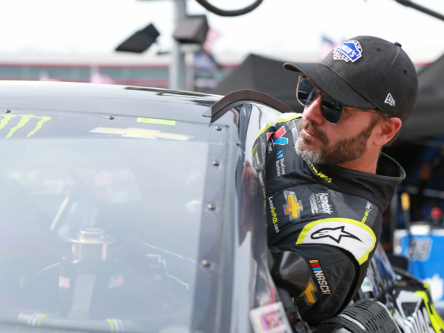 Start time moved up for Saturday night's Bristol race