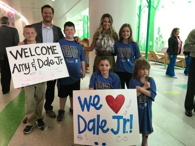 Earnhardt visits Nationwide Children's Hospital