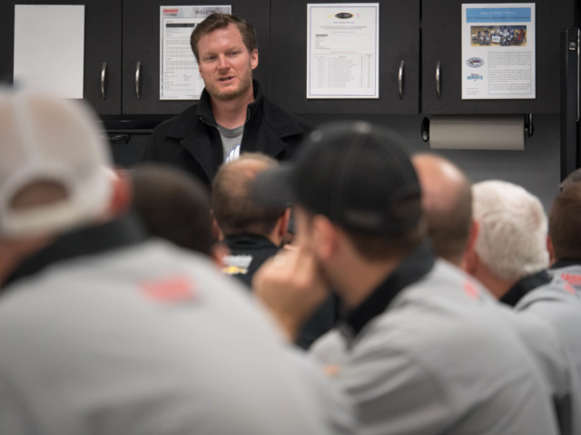 Earnhardt shares moment with No. 88 team